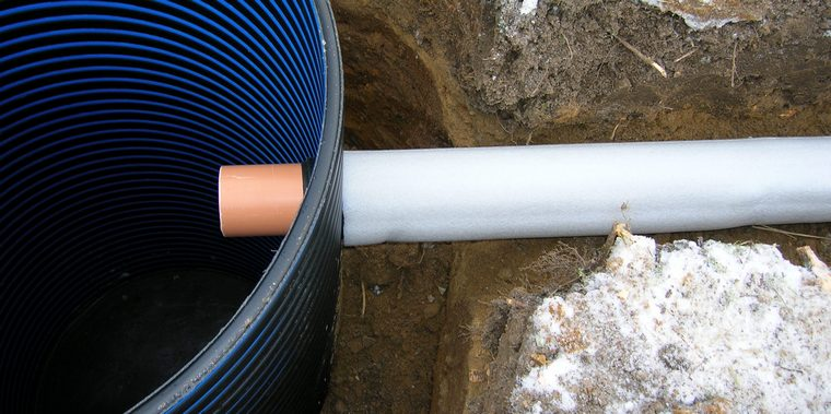 Подключение трубы септика